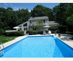 4 Bedroom, 2.5 baths Contemporary in upscale East Hampton Village fringe