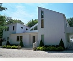 4 BEDROOM CONTEMPORARY IN EAST HAMPTON